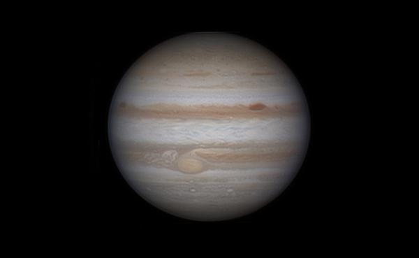 Fotografirajmo planet Jupiter skozi teleskop.
