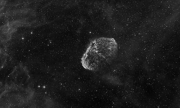 Astrofotografija meglic iz domačega vrta s sodobno CCD kamero G2-8300