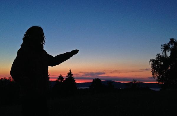 Čudovite barve tik pred vzhodom Sonca.