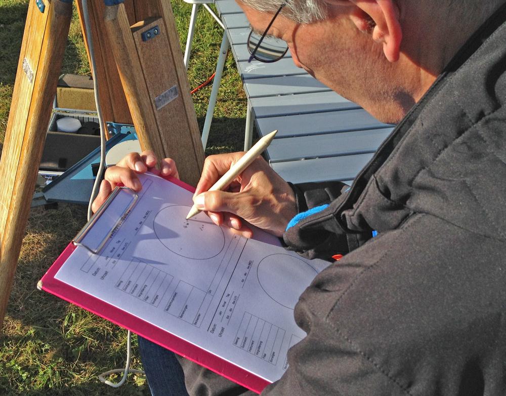 Opazovanje in risanje peg na Soncu