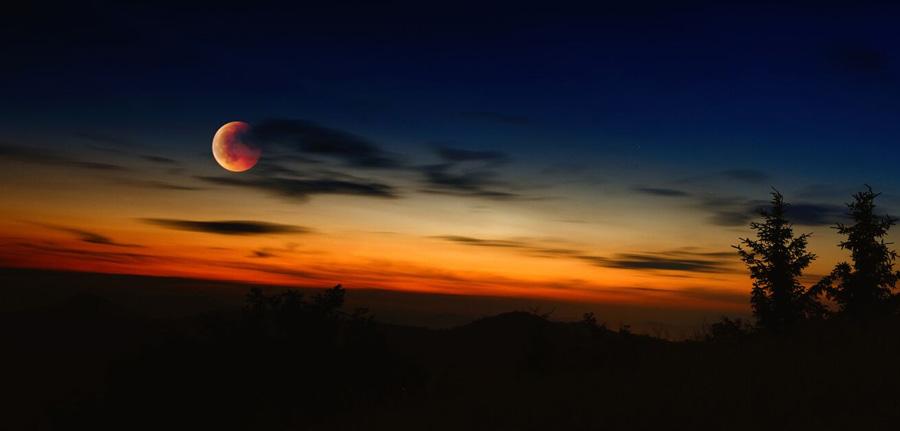 popolni-lunin-mrk-2015-panorama