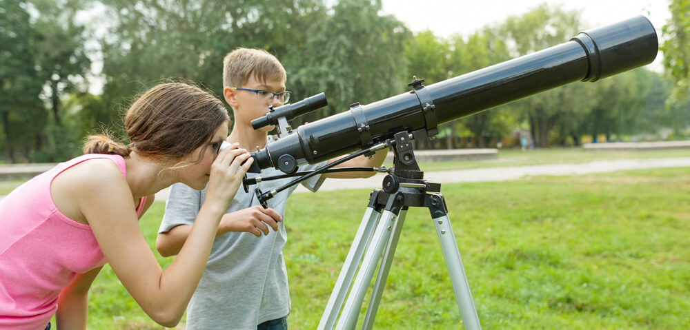 Kakšen naj bo moj prvi teleskop? Začetniški teleskop?